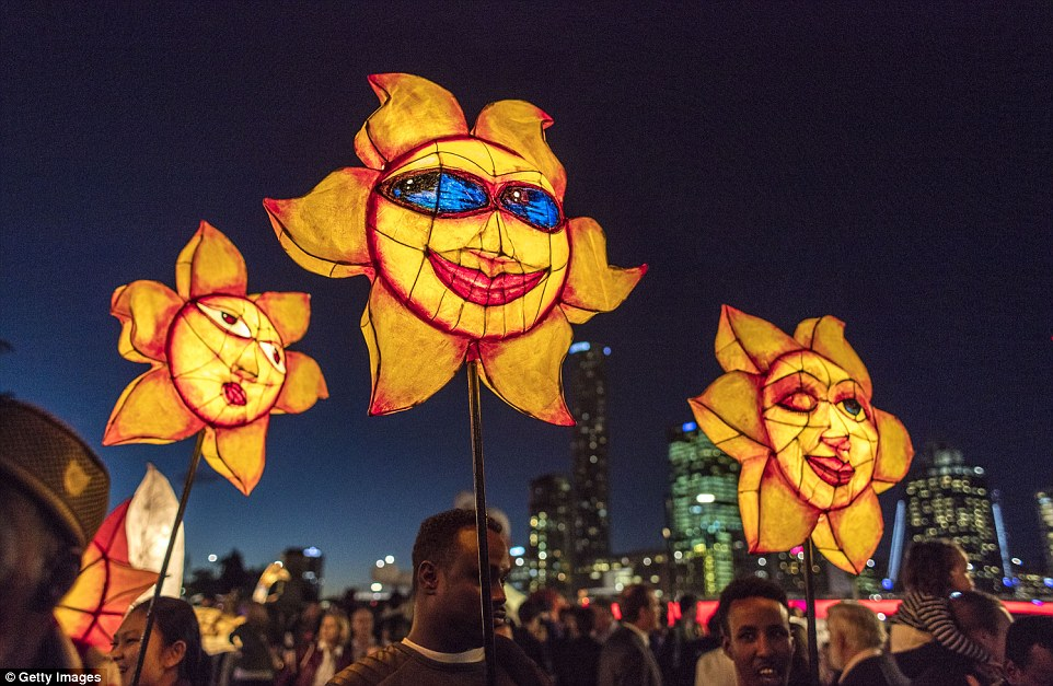 Luminous Lantern Parade?>
