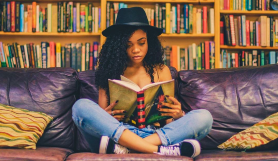 8 maneiras fáceis de melhorar suas habilidades de leitura na Língua Inglesa